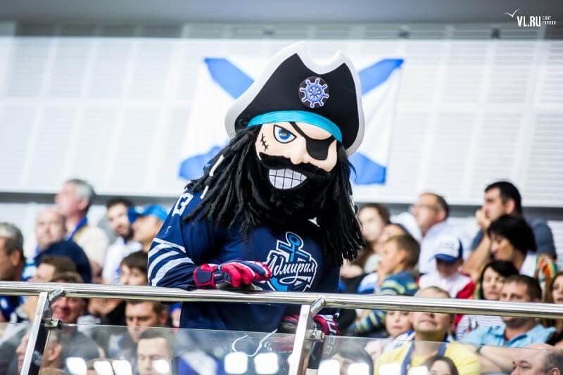 Пиратыч талисман ХК Адмирал