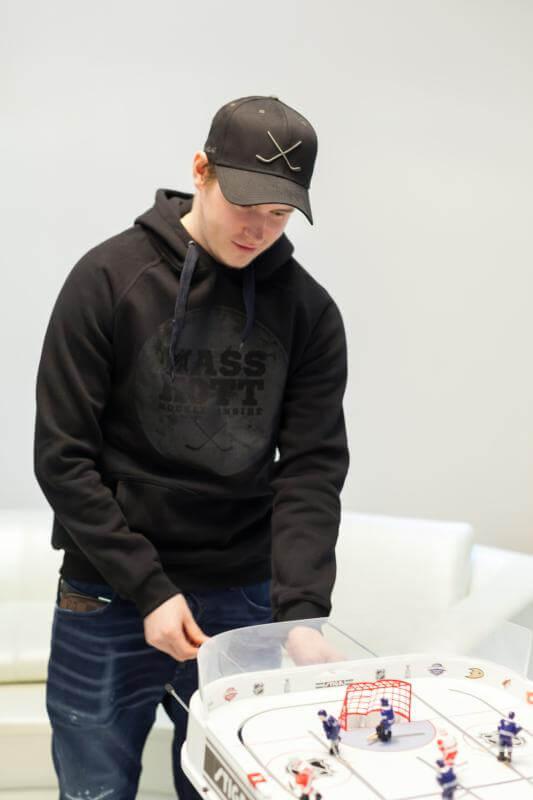 Сергей Шумаков и настольный хоккей