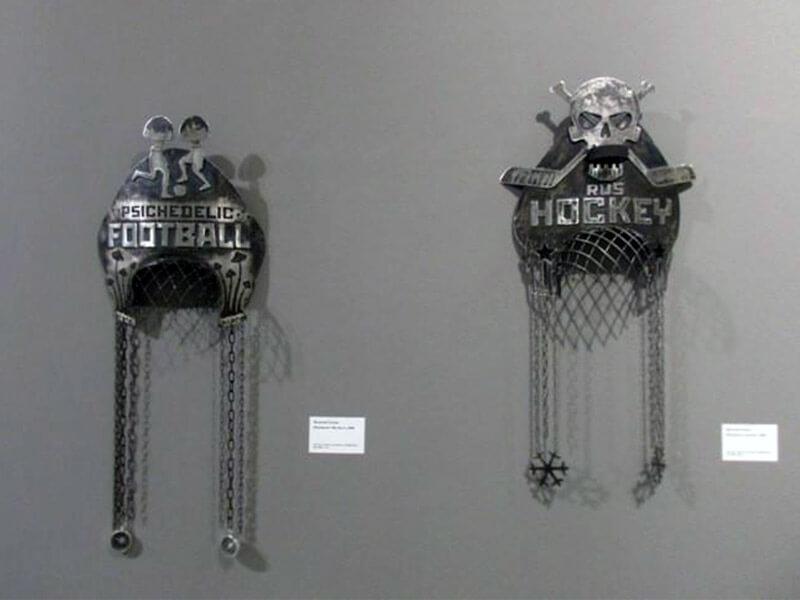 ВАСИЛИЙ СЛОНОВ. Кокошники. Выставка Футбол - хоккей в Центре современного искусства Винзавод.