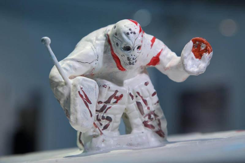 СЕРГЕЙ ШЕХОВЦЕВ. Скульптура Айсберг, 2016. Выставка Футбол - хоккей в Центре современного искусства Винзавод.